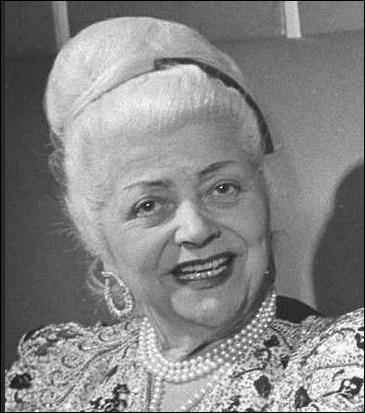 Qui est cette Nina, styliste et couturière franco-italien, morte en 1970 ?