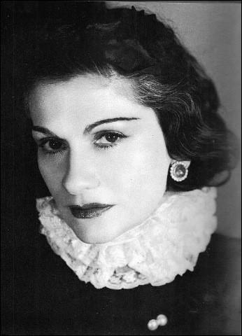 """Qui est cette Gabrielle dite """"Coco"""", créatrice, modiste, grande couturière française, célèbre mondialement pour ses créations et les parfums qui portent son nom, morte en 1971 ?"""