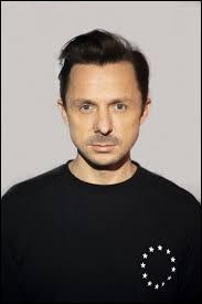 """Avec quel DJ international s'est associé Martin Solveig pour sortir le tube """"Tequila"""" chantée par Raye ?"""