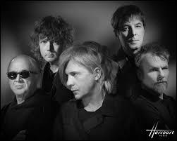 Le groupe Indochine fête ses 40 ans de carrière ! À cette occasion, le groupe a sorti un single inédit. Comment se nomme-t-il ?