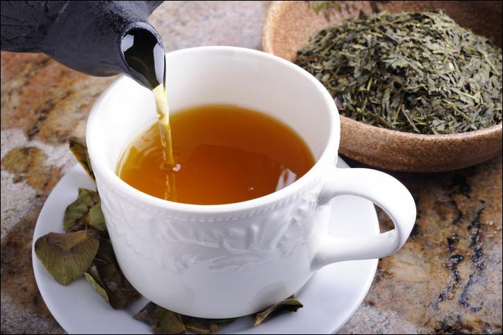 Pour être un peu plus précis, quelle est l'espèce d'arbuste qui donne le thé ?