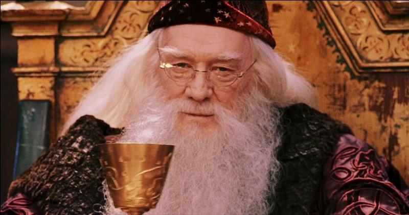 Avec quoi Dumbledore éteint-il les lumières de la rue Privet Drive ?