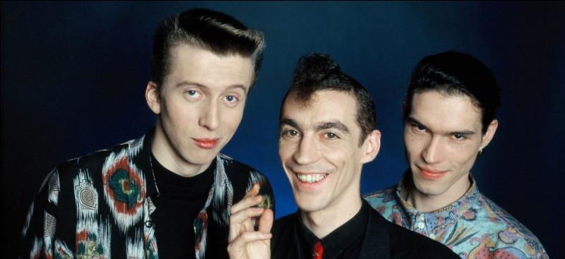 Tri comme trio : L'Affaire Louis Trio était un groupe composé des membres Hubert et Vincent Mounier, mais quel était le 3e membre du trio ?