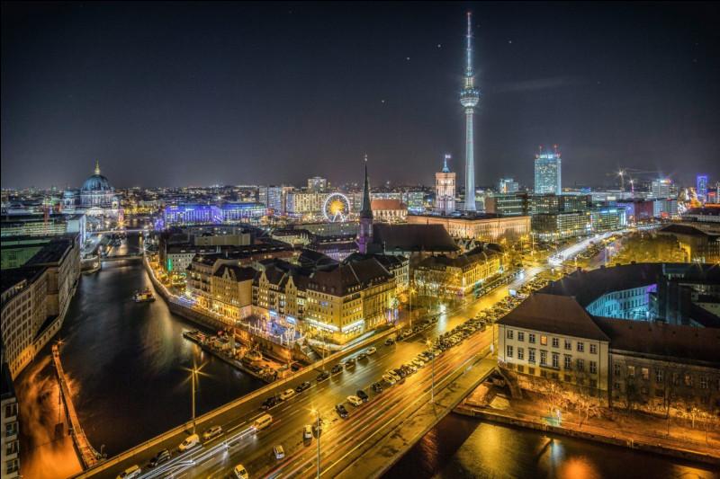 Dans quel pays se situe Berlin ?