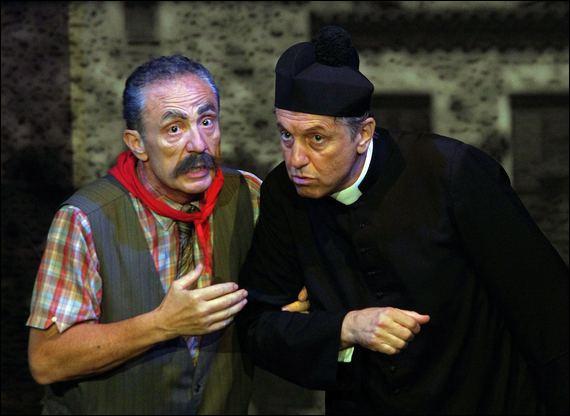 """Quel acteur réalisa et interpréta le rôle titre dans le """"Don Camillo"""" de 1983 ?"""