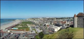 Cette ville maritime, port actif pour le commerce avec l'Amérique et l'Afrique aux XVIe et XVIIe siècle, aujourd'hui port transmanche, c'est ...