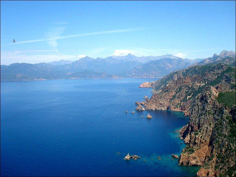 Sur quelle île le Capo Rosso se situe-t-il ?