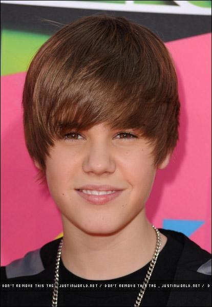 Quel est le sport que Justin ne pratique pas ?