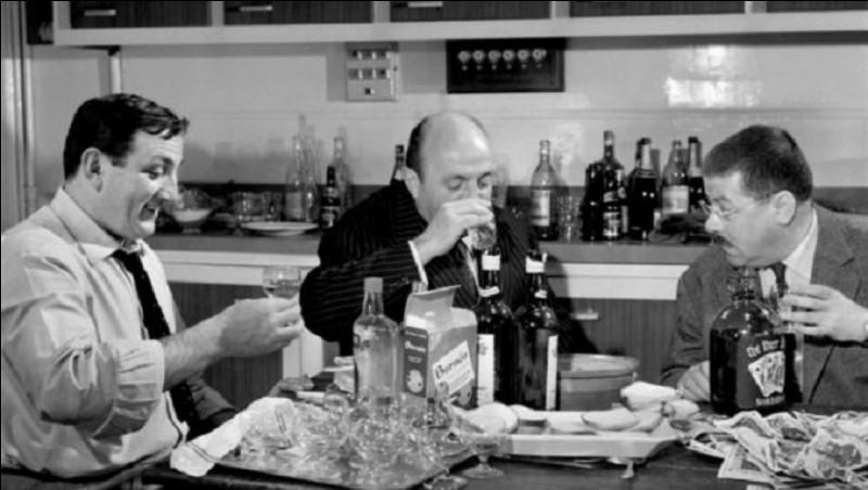 """""""Les Tontons flingueurs"""", film de 1963 aux dialogues de Michel Audiard, avec comme acteurs principaux Lino Ventura, Bernard Blier, Francis Blanche et Jean Lefebvre, est un film de ..."""