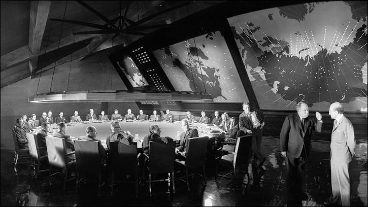 """""""Docteur Folamour"""", comédie satirique sur la bombe nucléaire, est un film, sorti en 1964, réalisé par ..."""