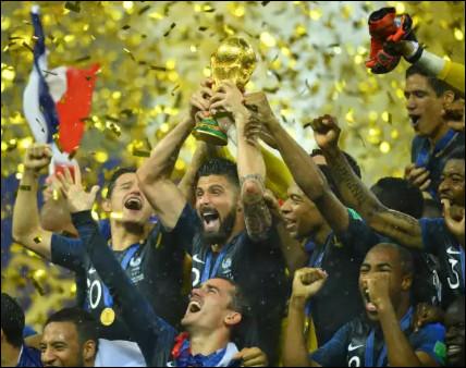 """Lequel de ces joueurs de légende n'a jamais remporté la """"Coupe du monde"""" ?"""