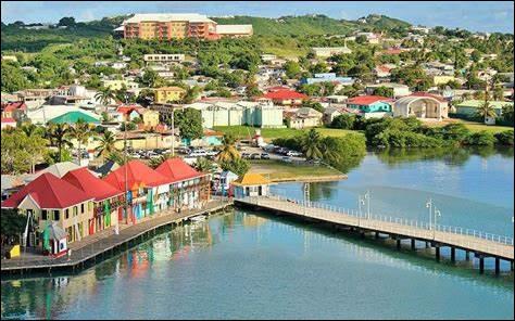 Indépendance - Antigua-et-Barbuda obtint son indépendance du Royaume-Uni en :