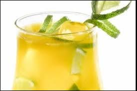 Le double V est un cocktail à base de vodka et de vanille.