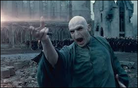 Le personnage de fiction Voldemort n'a pas de nez.