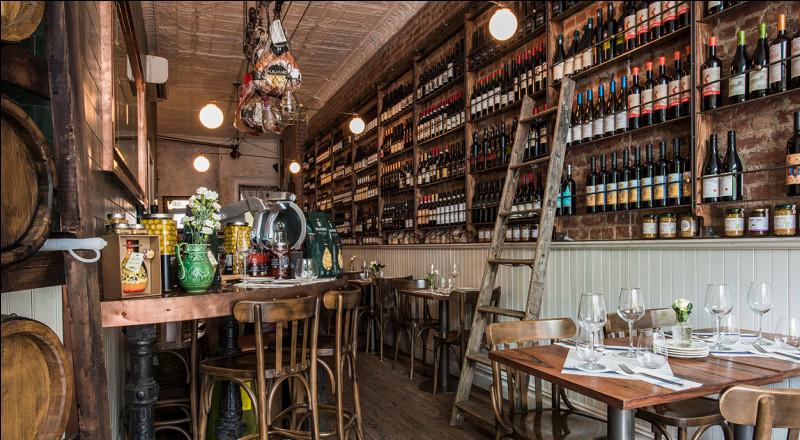 Grâce au cépage merlot, ce vin réputé de Bordeaux possède des arômes de truffe. Quel est-il ?