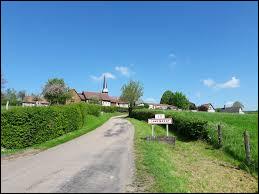 Où se situe le village de Camembert ?