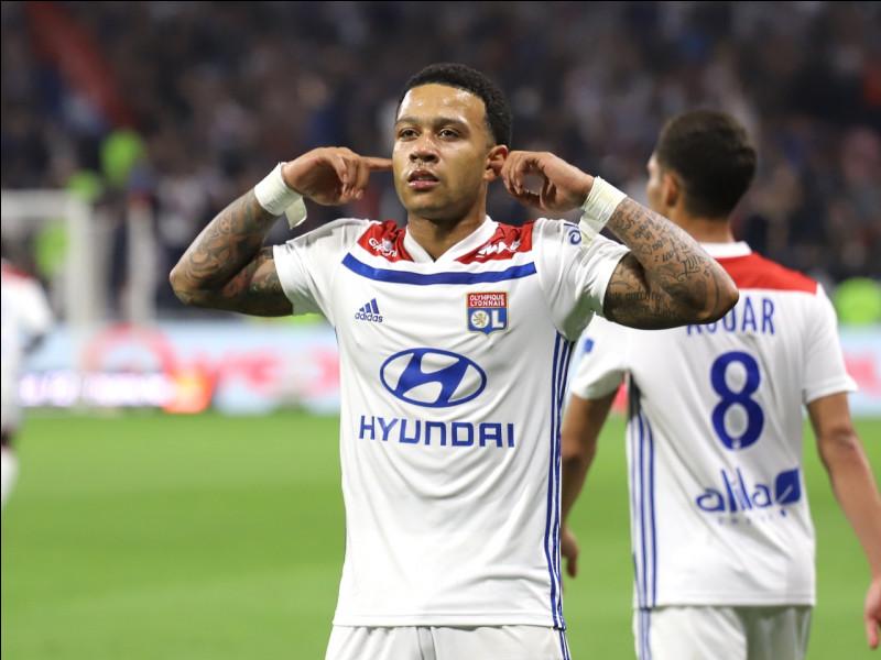 L'une des stars de la Ligue 1 en France, Memphis Depay, est un rappeur relativement respecté dans le milieu. Avec lequel de ces rappeurs a-t-il eu l'honneur d'enregistrer un morceau ?