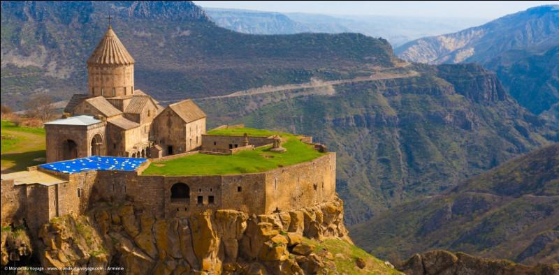 Histoire – À la suite de l'effondrement de l'Empire russe, en quelle année la République démocratique d'Arménie a-t-elle créée ?