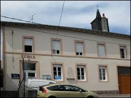 Village du Grand-Est, dans la vallée de la Vologne, Le Roulier se situe dans le département ...