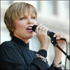 Qui est cette Pat, chanteuse américaine, née le 10 janvier 1953 à New York ?