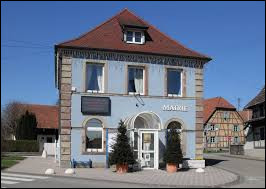 Notre balade dominicale commence dans le Grand-Est, à Burnhaupt-le-Bas. Commune de la couronne périurbaine de Mulhouse, elle se situe dans le département ...