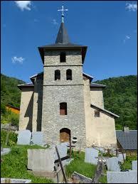 Voici l'église Saint-Michel de Montendry. Commune Savoyarde, elle se situe en région ...