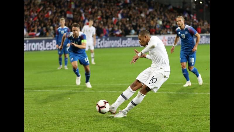 Qui est le meilleur buteur de l'équipe de France sur penalty (6 buts) ?
