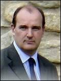 Quel jour doit être annoncé un nouveau gouvernement, ayant Jean Castex comme premier ministre ?