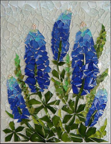 """En anglais, la fleur représentée, est un """"bluebonnet"""", quel est son nom français ?"""