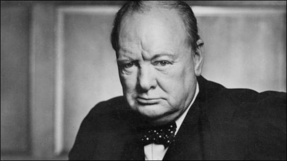 Cet homme politique britannique, Premier ministre du Royaume-Uni du 10 mai 1940 au 26 juillet 1945 puis du 26 octobre 1951 au 6 avril 1955, se prénomme ...