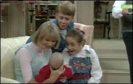 Fran Fine doit s'occuper de trois enfants. Qui sont-ils ?