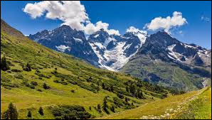 Voici un parc national français créé en 1973, situé dans les Alpes, il s'agit du parc des...