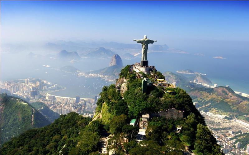 Si vous habitez au Brésil, dans quel océan irez-vous vous baigner ?