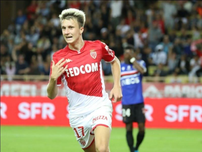 Quelle est la nationalité d'Aleksandr Golovin (AS Monaco) ?