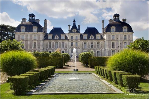 Et on termine notre périple en admirant ce château du Val de Loire qui inspira l'architecte du château des frères Loiseau, puis du capitaine Haddock !