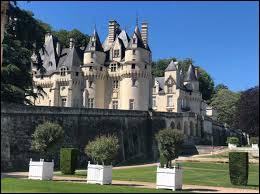 """On doit ses splendides jardins à Le Nôtre, quel est ce château de contes de fées, qui inspira Charles Perrault pour écrire """"La Belle au bois dormant"""" ?"""