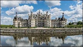 Et quel est le nom de cet autre château situé dans le Loir-et-Cher, construit au XVIe siècle ?