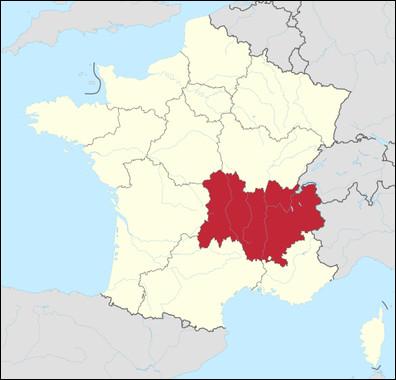 Commençons par le commencement, dans quelle région française est situé le village de Grignan ?L'image devrait normalement vous aider. : )