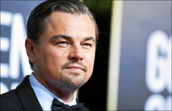 Si Leonardo DiCaprio est le né le 11 novembre 1974, quel âge avait-il le 3 Mars 1982 ?