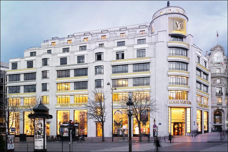 Toujours en traiteur j'ai pu, en pause, prendre une coupette sur le toit de cet immeuble. Sur quel lieu parisien célèbre avais-je un point de vue privilégié ?