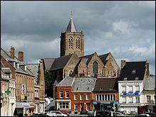 Quelle cité millénaire dominant la plaine des Flandres remporte l'édition 2018 ?