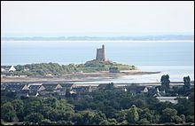 En 2019, quel village fortifié par Vauban permet à la Normandie de décrocher son premier titre ?