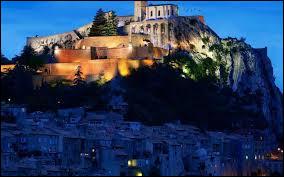 Dans quel département se situe la citadelle de Sisteron ?
