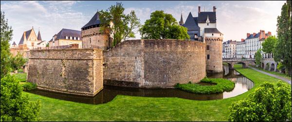 Attention question piège : dans quel département se trouve le Château des Ducs de Bretagne ?