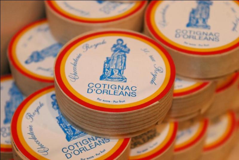 Autrefois vendu pour réguler les problèmes digestifs, le Cotignac est devenu une gourmandise présente dans toutes les bonnes confiseries orléanaises. C'est une friandise composée d'une gelée de fruit. Quel est ce fruit ?