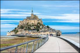 En quelle année le grand départ du tour de France a-t-il été donné du Mont Saint-Michel ?