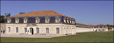Nouvelle-Aquitaine - L'Arsenal de Rochefort. En quelle année la construction de ce monument s'acheva-t-elle ?