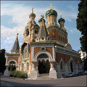 Provence-Alpes-Côte d'Azur - La Cathédrale Saint-Nicolas de Nice. Dans quel pays peut-on trouver ces édifices religieux orthodoxes ? A noter que cet édifice est l'un des plus importants hors de ce pays en question.