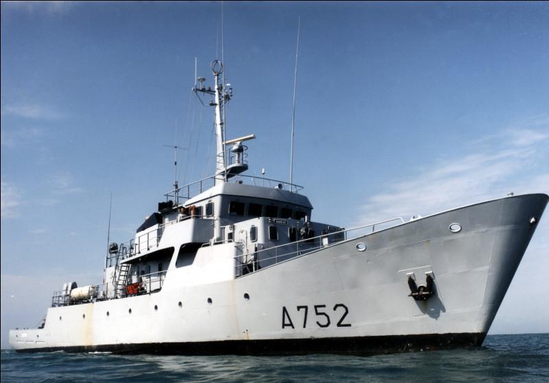 """À quelle marine appartient ce navire, surnommé """"Le Guépard"""" ?"""