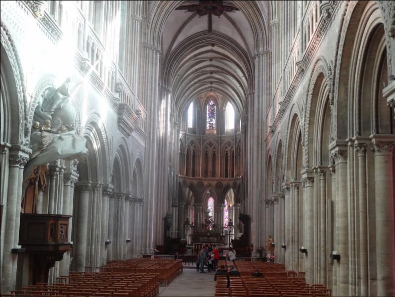 Dans quelle cathédrale pouvez-vous retrouver cette nef ?